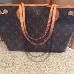 Handbags - Louis Vuitton neverfull PM tote